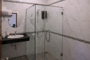 orchid-bathroom-1350